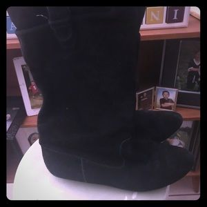 Shoes - (SOLD) Black leather boots 💕